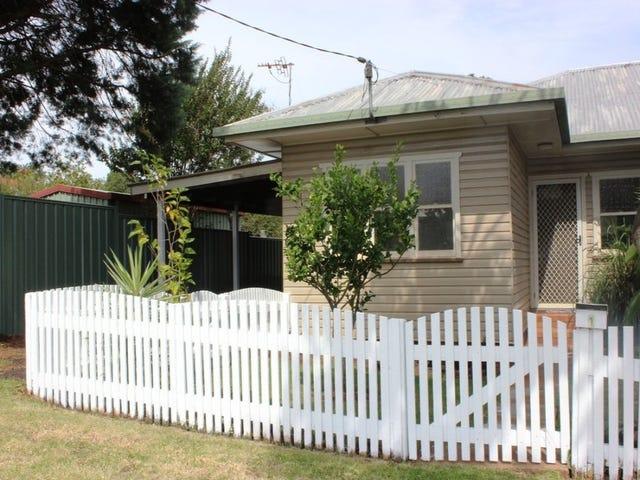 1/2 Katherine Street, North Toowoomba, Qld 4350