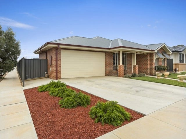 74 Greenfield Drive, Epsom, Vic 3551