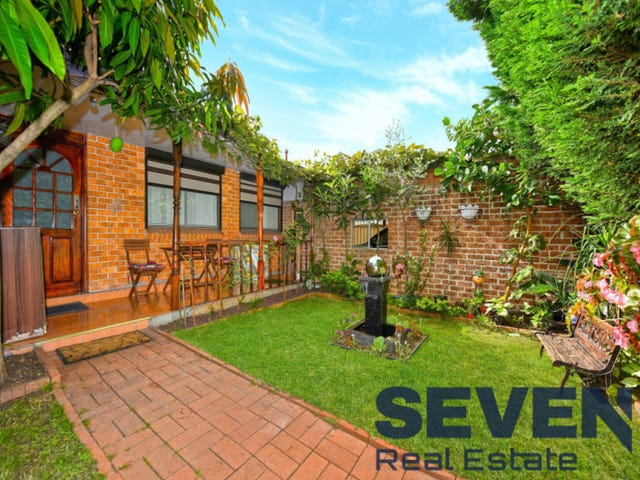 252 Roberts Road, Greenacre, NSW 2190