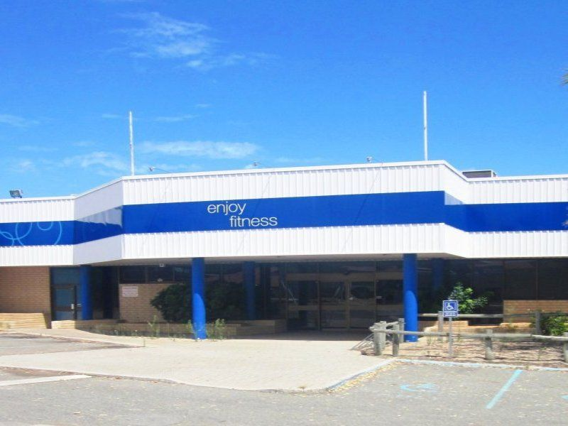 No 9 chesterfield road mirrabooka wa 6061 sold offices for 44 st georges terrace perth parking