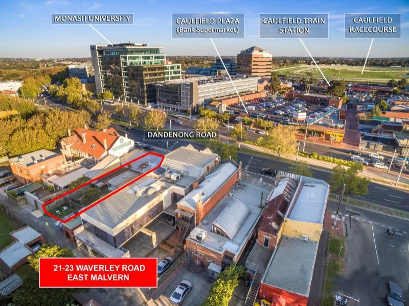 how to get to caulfield racecource from laverton station