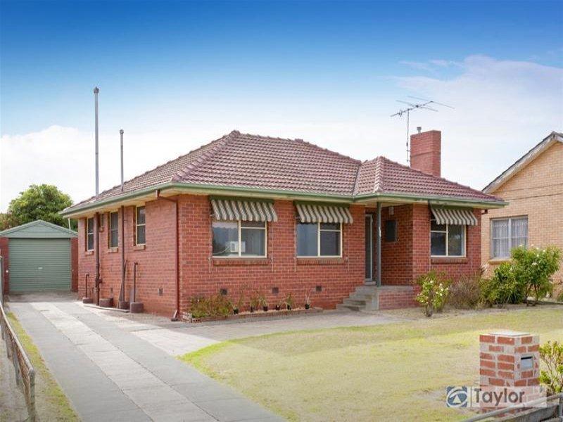 135 St Albans Road, East Geelong