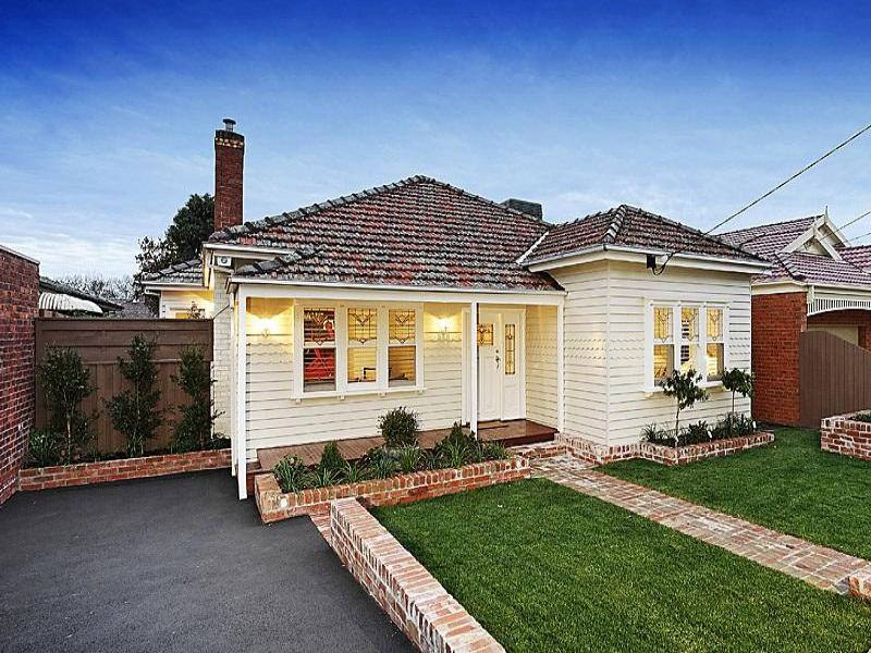Photo of a weatherboard house exterior from real for House facade renovation ideas