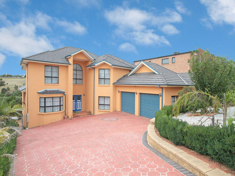 73 Dunfermline Ave, GREENVALE, VIC, 3059 - Image