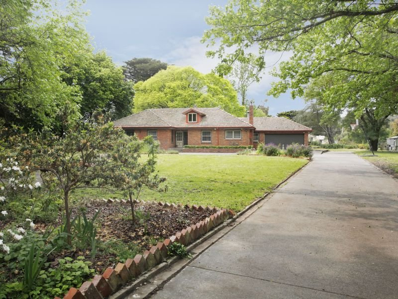 220 Beaconsfield Emerald Road, Beaconsfield, Vic 3807
