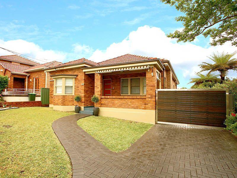 15 Kinsel Avenue, Kingsgrove, NSW 2208