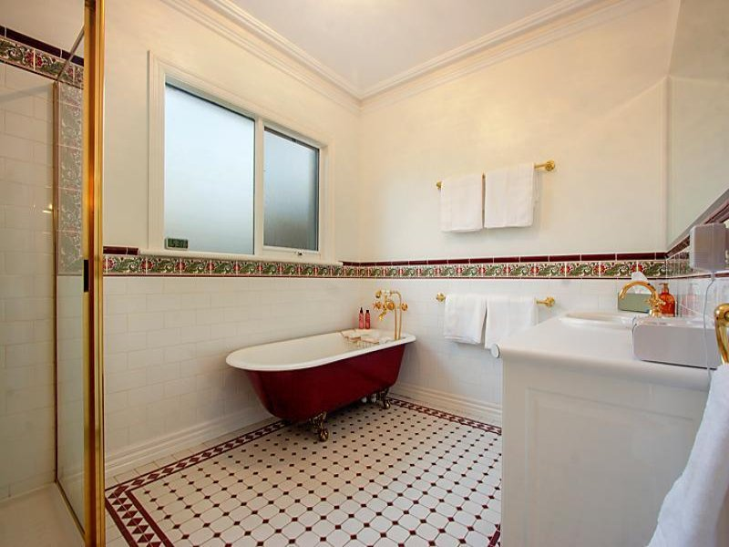 French Provincial Bathroom Design With Claw Foot Bath Using Tiles Bathroom Photo 524745