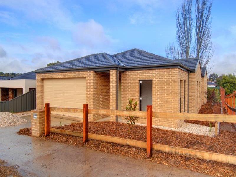 18 Creek View Close, Mount Clear, Vic 3350