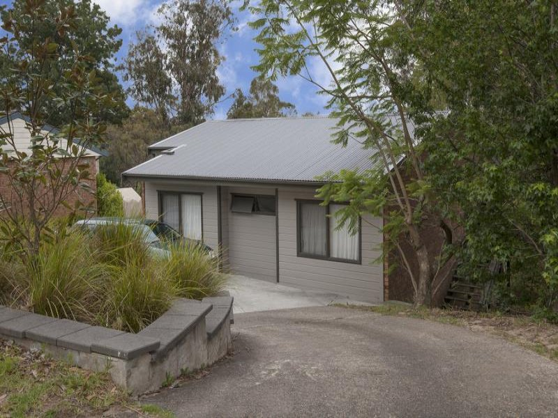 21 Lysiana Road, Woodford