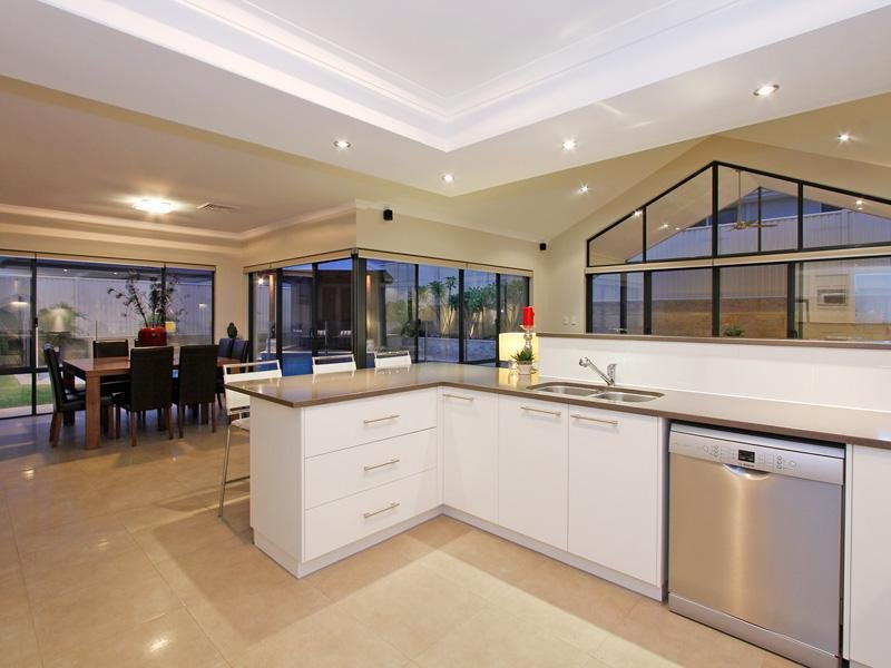 16 Spitfire Avenue, Burns Beach, WA 6028