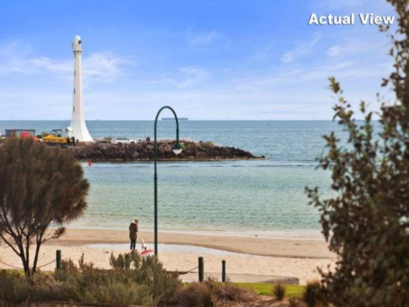 1a/12 Marine Pde, St Kilda, Vic 3182