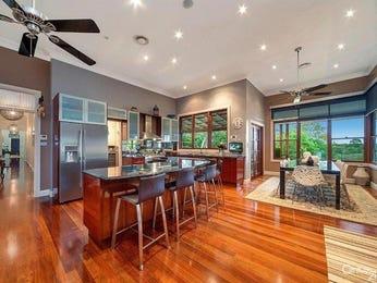 Modern open plan kitchen design using floorboards - Kitchen Photo 8240681