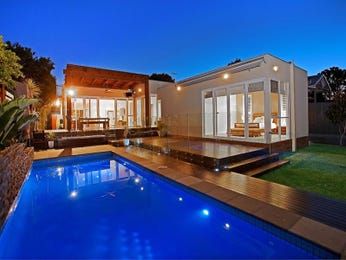 Photo of a geometric pool from a real Australian home - Pool photo 1236055