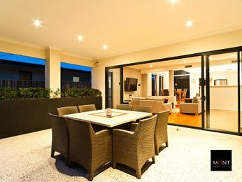 Outdoor living design with outdoor dining from a real Australian home - Outdoor Living photo 8491697