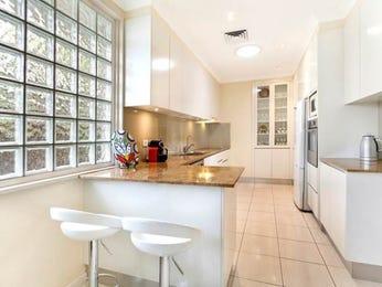 Modern open plan kitchen design using frosted glass - Kitchen Photo 7055201