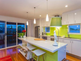Pendant lighting in a kitchen design from an Australian home - Kitchen Photo 6908693
