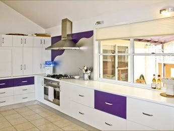 Modern galley kitchen design using laminate - Kitchen Photo 478452