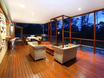 Outdoor living design with glass balustrade from a real Australian home - Outdoor Living photo 735131