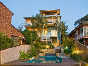 Outdoor living design with retaining wall from a real Australian home - Outdoor Living photo 1396462