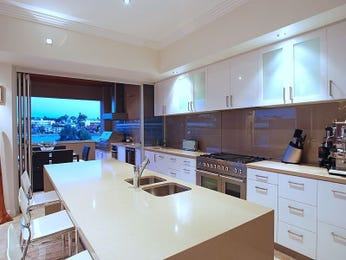 Modern island kitchen design using frosted glass - Kitchen Photo 476847