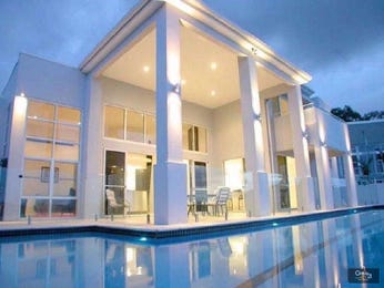 Photo of a geometric pool from a real Australian home - Pool photo 918529