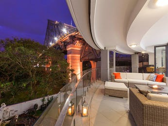 Outdoor living design with glass balustrade from a real Australian home - Outdoor Living photo 15773069