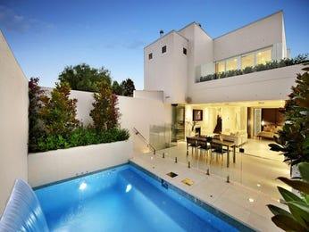 Indoor-outdoor outdoor living design with glass balustrade & fountain using tiles - Outdoor Living Photo 100519