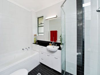 Cabinetry in a bathroom design from an Australian home - Bathroom Photo 101049