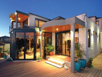 Brick modern house exterior with balcony & feature lighting - House Facade photo 102138