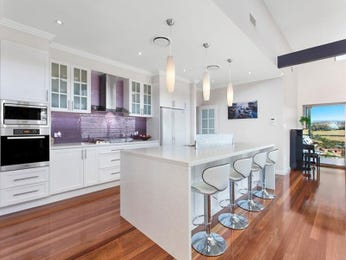 Modern open plan kitchen design using floorboards - Kitchen Photo 7817153