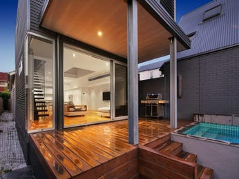 Outdoor living design with balcony from a real Australian home - Outdoor Living photo 7599241