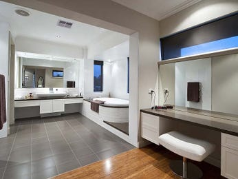French provincial bathroom design with claw foot bath using granite - Bathroom Photo 103556