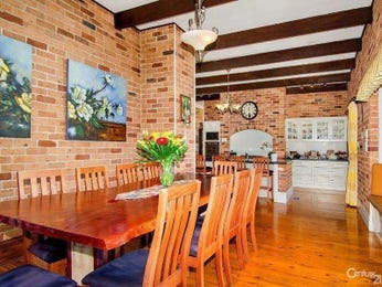 Photo of a dining room design idea from a real Australian house - Dining Room photo 8293385