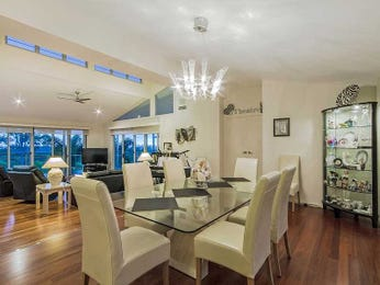 Photo of a dining room design idea from a real Australian house - Dining Room photo 7353917