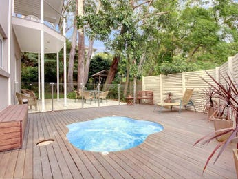 Low maintenance pool design using glass with decking & decorative lighting - Pool photo 152333