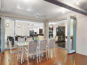 Photo of a dining room design idea from a real Australian house - Dining Room photo 8599033