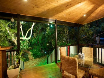 Outdoor living design with deck from a real Australian home - Outdoor Living photo 155327