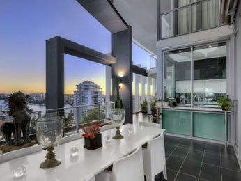 Outdoor living design with balcony from a real Australian home - Outdoor Living photo 8937409