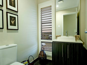 Frameless glass in a bathroom design from an Australian home - Bathroom Photo 158042