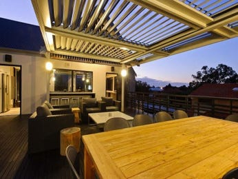 Outdoor living design with deck from a real Australian home - Outdoor Living photo 158240