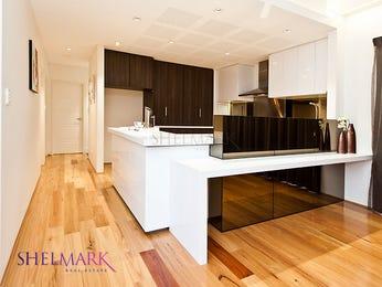 Modern open plan kitchen design using floorboards - Kitchen Photo 7241249