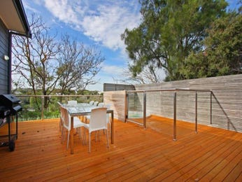 Outdoor living design with balcony from a real Australian home - Outdoor Living photo 485185