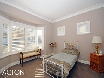 Classic bedroom design idea with carpet & louvre windows using neutral colours - Bedroom photo 352375
