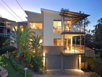 Glass modern house exterior with balcony & landscaped garden - House Facade photo 496199
