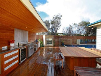 Outdoor living design with bbq area from a real Australian home - Outdoor Living photo 161564