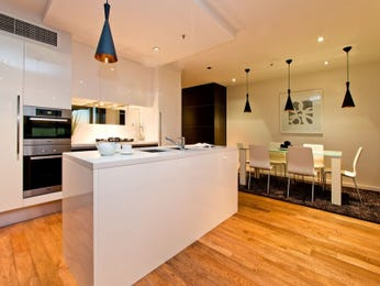 Modern kitchen-dining kitchen design using floorboards - Kitchen Photo 16194093