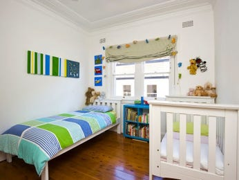 Children's room bedroom design idea with wallpaper & bi-fold windows using blue colours - Bedroom photo 456011