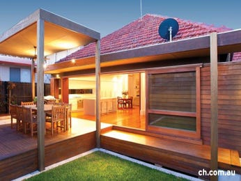 Outdoor living design with deck from a real Australian home - Outdoor Living photo 165774