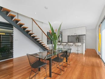 Photo of a dining room design idea from a real Australian house - Dining Room photo 8441985