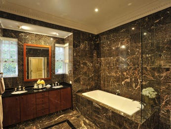 Modern bathroom design with corner bath using granite - Bathroom Photo 452240